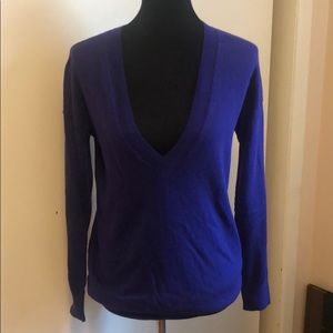 Gap Cotton blend v-neck Size M